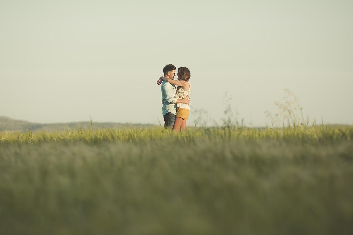 Reportaje de pareja en exteriores (16)